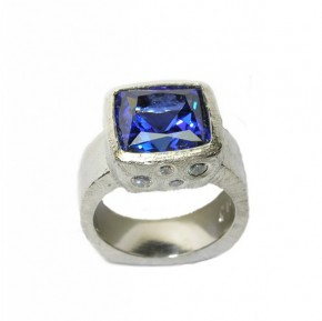 5.60 ct. Cushion Cut Tanzanite in Palladium with Diamonds
